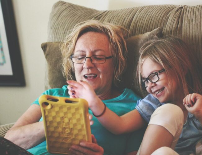 Kids & Technology: Why Blue Light Glasses Are Essential